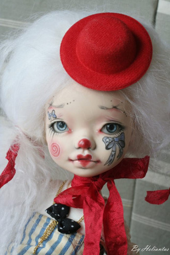 Elleki with Helliantas faceup clown closeup